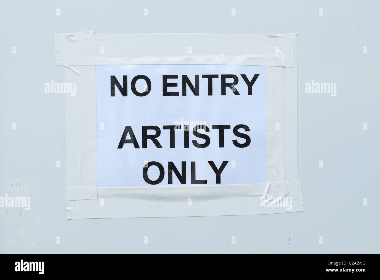 No Entry sign Artists Only backstage at Hay Festival 2016 - Stock Image