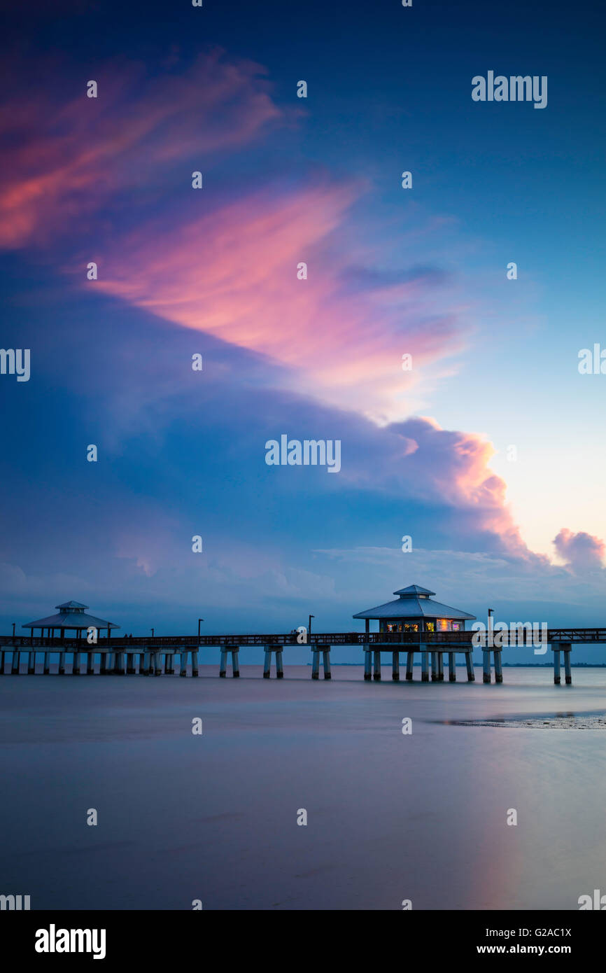 Spring evening at the Ft. Myers Beach Pier, Ft. Myers, Florida, USA - Stock Image