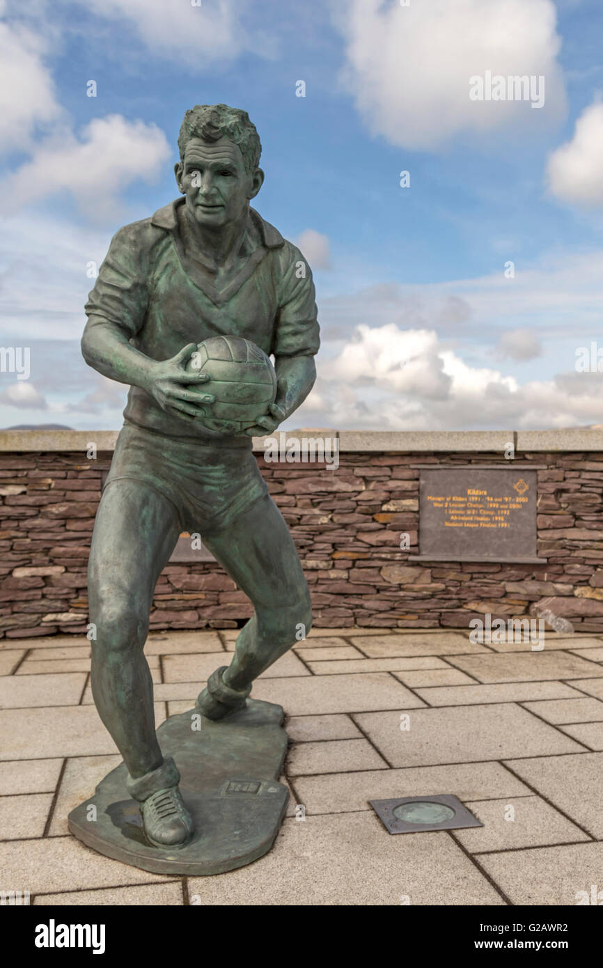 Statue of Mick O'Dwyer, a Gaelic footballer and former Kerry senior football manager, Waterville, County Kerry, - Stock Image