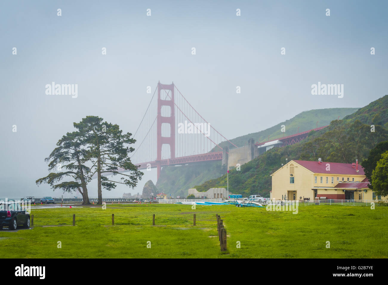 Golden Gate Bridge view of Bay Area Discovery Museum - Stock Image