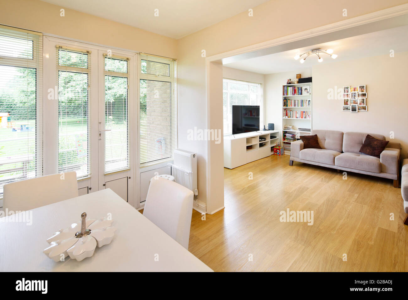 Ellington Court, Southgate. Open Plan Living And Dining Area With  Contemporary Furniture And Minimal Decoration. Patio Doors Leading To The  Backyard, ...