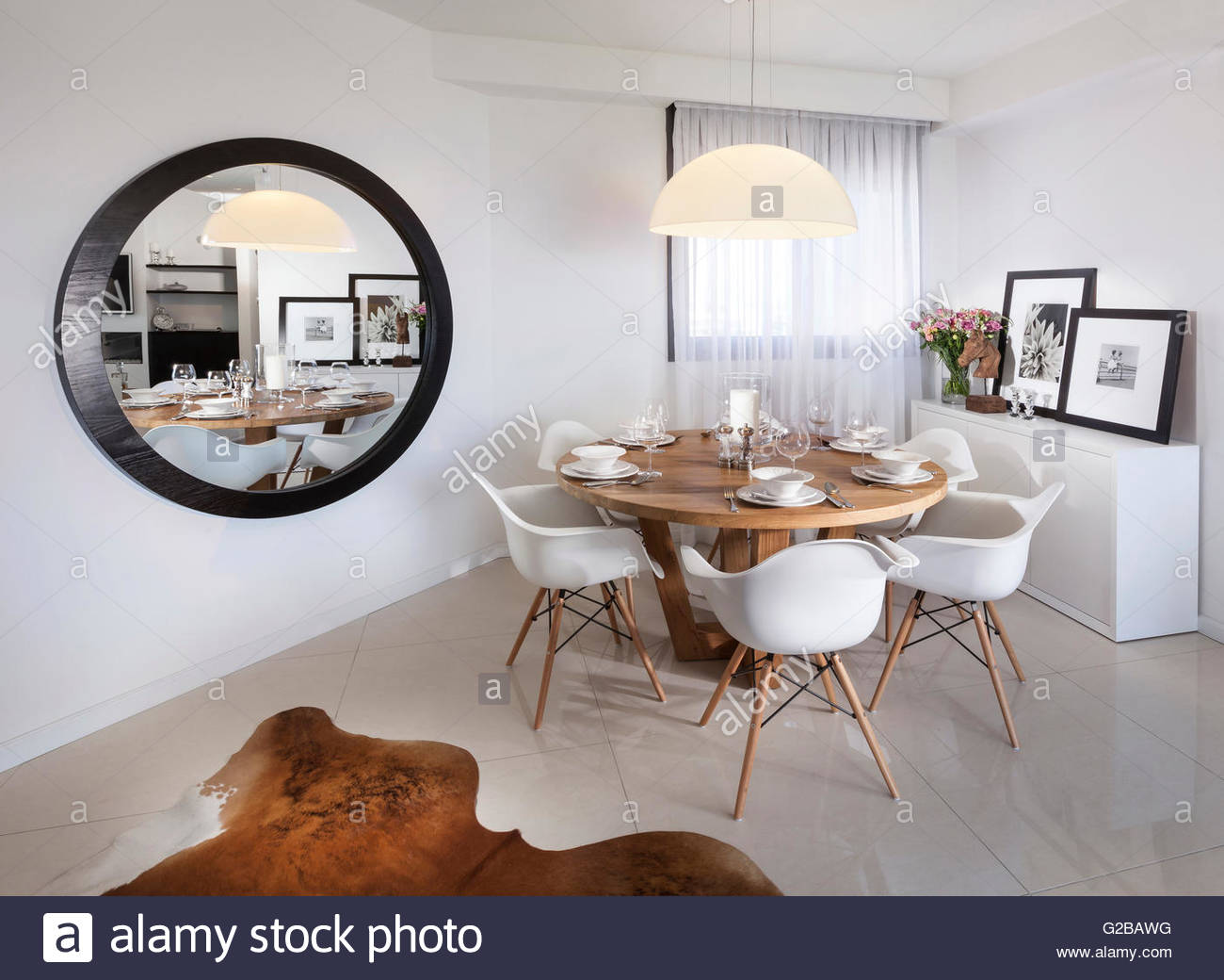 Apartment for Reuveni home styling & design. Modern dining room with ...