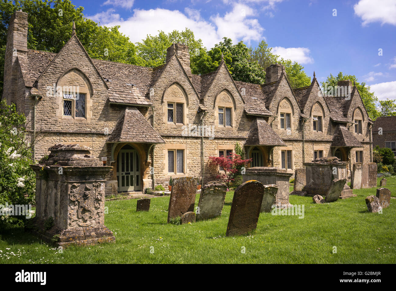 Houses near cemetery in Station Lane near Church Green, Witney, Oxfordshire - Stock Image