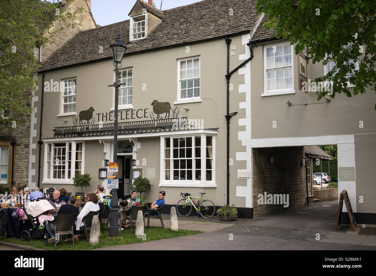 The Fleece gastro pub in Witney in Oxfordshire - Stock Image