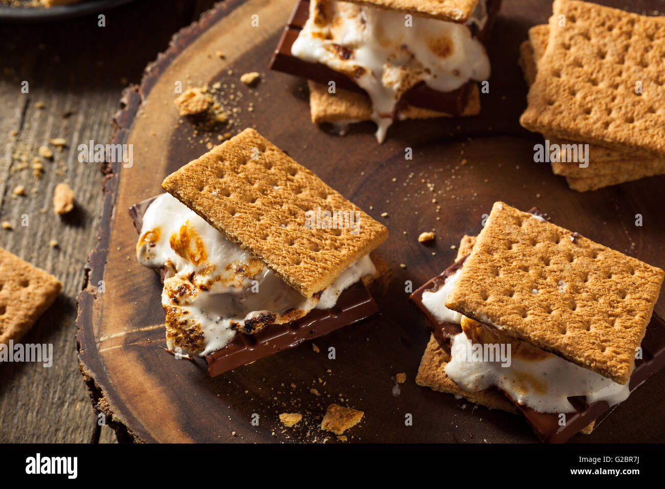 Homemade Gooey Marshmallow S'mores with Chocolate - Stock Image