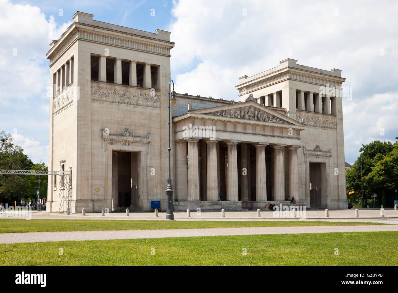 Propylaea Museum on Koenigsplatz square, München, Bavaria, Germany - Stock Image