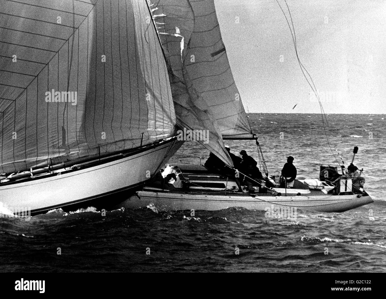 AJAX NEWS PHOTOS.1973. COWES, ISLE OF WIGHT, ENGLAND. - COWES COLLISION - NEAR DEATH MISS - CREWMAN ON GRIFFIN III - Stock Image