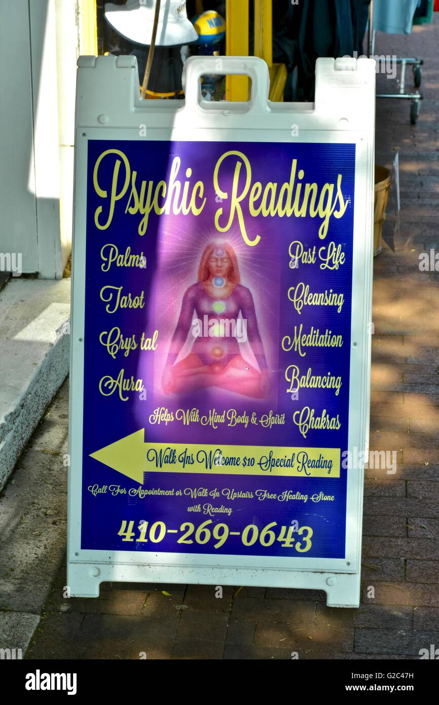 Psychic Reading Meaning: Psychic Readings Business Stock Photos & Psychic Readings