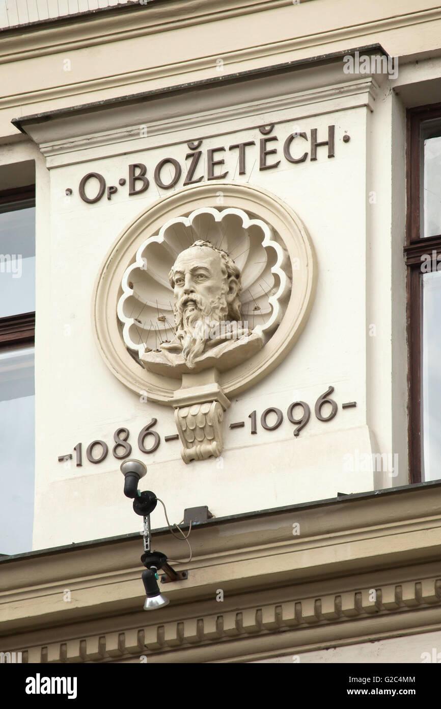Abbot Bozetech (+1096). Stucco portrait bust by Czech sculptor Bohuslav Schnirch on the Kindluv dum (Kindls's - Stock Image
