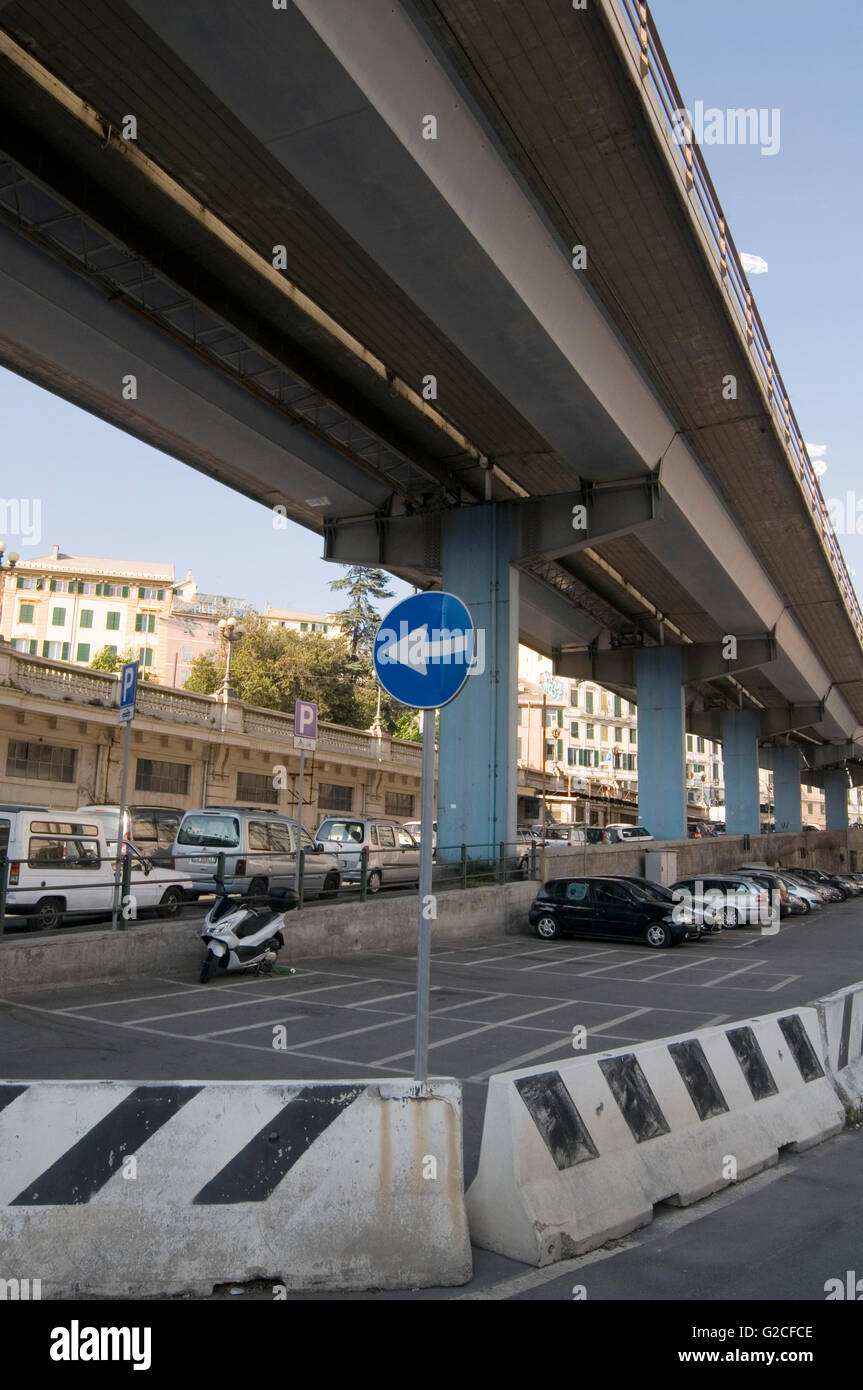 flyover overpass fly over road roads over pass overpasses raised sky elevated flyovers pylon pylons concrete skyway - Stock Image