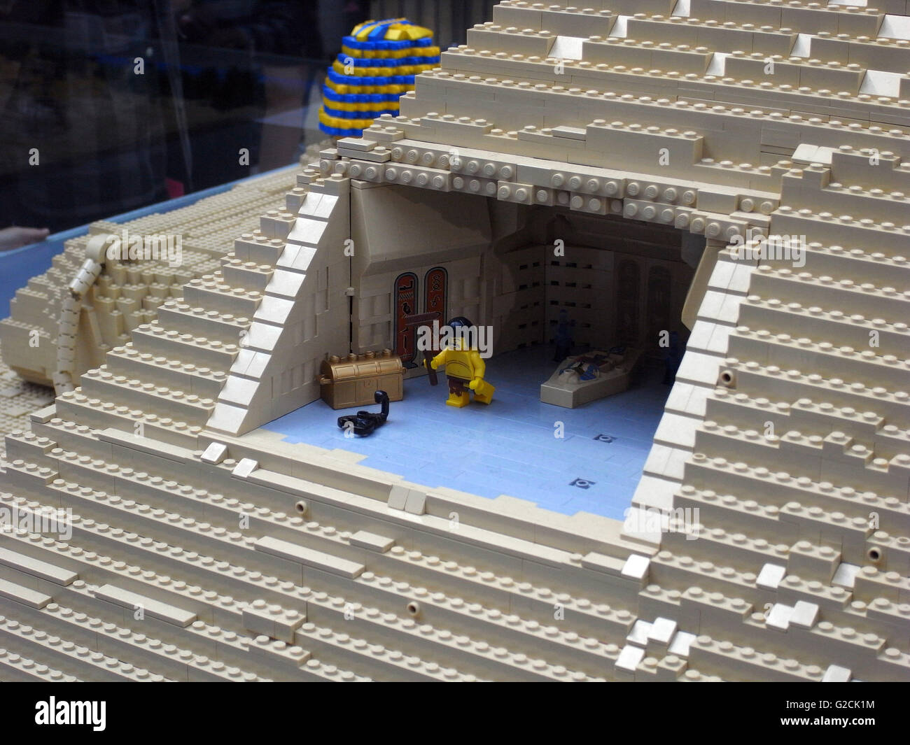 Lego Model Egypt Egyptian build ancient pyramid Sphinx Pharaoh engineering horse slave old time Chamber of Secrets - Stock Image