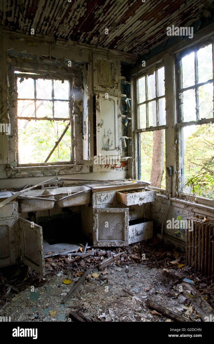 Abandoned Kitchen High Resolution Stock Photography And Images Alamy