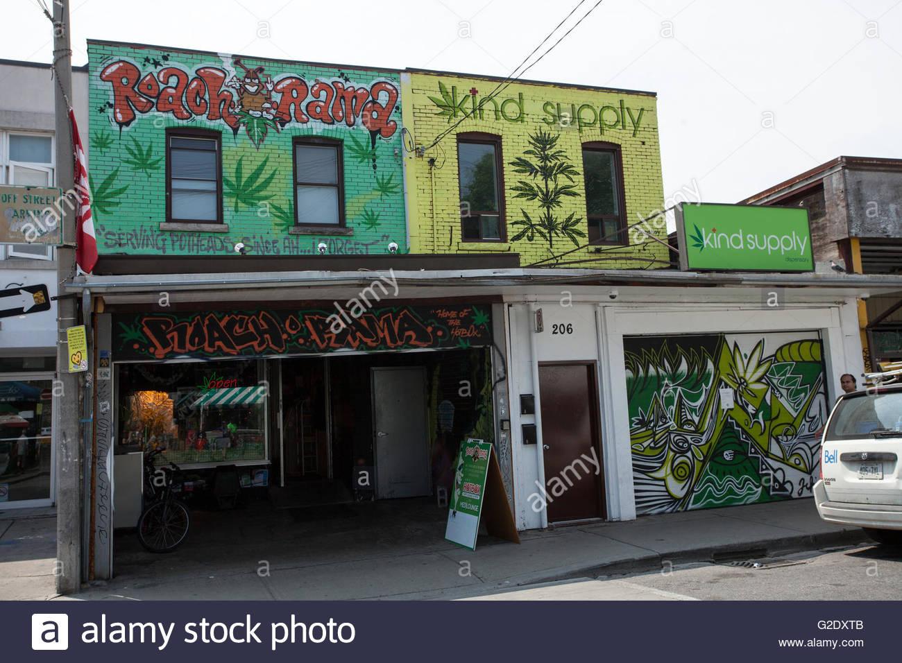 Medical Marijuana Dispensaries Stock Photos & Medical Marijuana