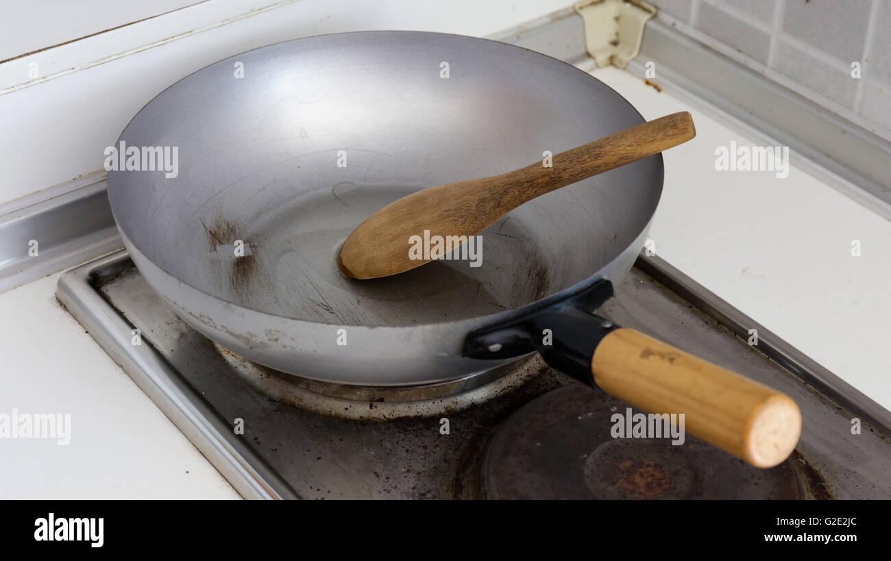 Pan On Wood Stove Stock Photos & Pan On Wood Stove Stock Images - Alamy