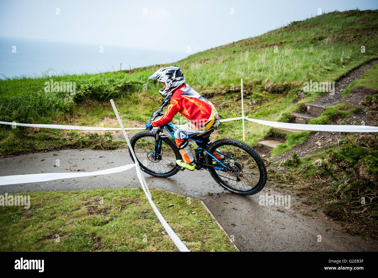 Aberystwyth, Wales, UK. 28th May, 2016. Conquer The Cliff 2016 : Riders take part in the Mountain Bike Downhill - Stock Image