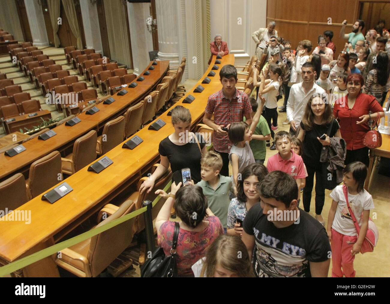 Bucharest, Romania. 29th May, 2016. Children accompanied by their parents visit the parliament building in Bucharest, - Stock Image