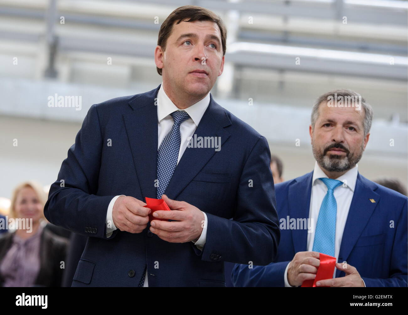 YEKATERINBURG, RUSSIA - MAY 20, 2016: Evgeny Kuivashev (left), Governor of the Sverdlovsk region, and Mikhail Lifshitz, - Stock Image