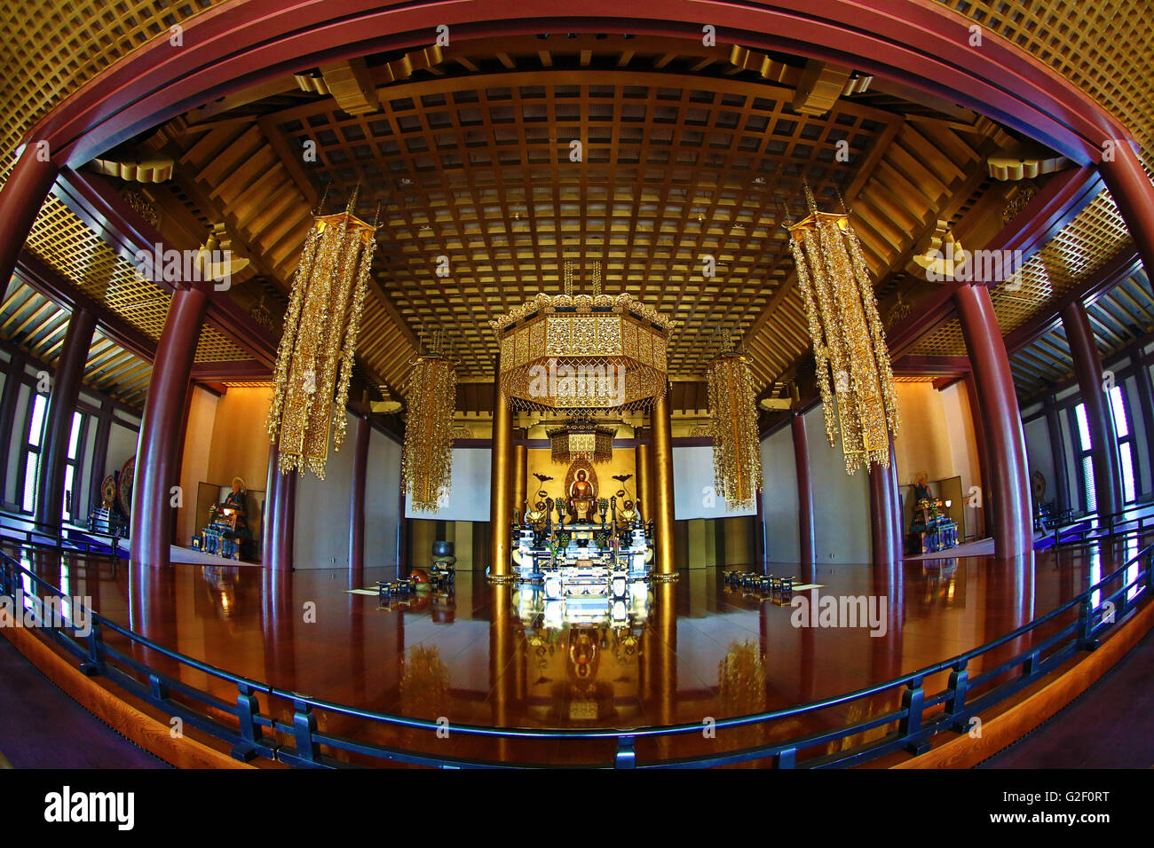 Interior of the Daiden (Hondo) the main hall of Zojoji Temple in Tokyo, Japan - Stock Image