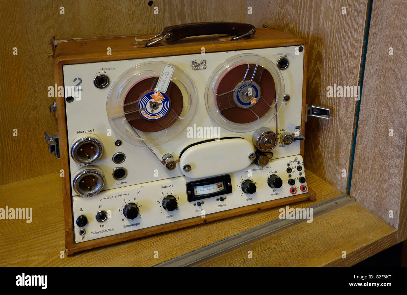 Maihak Reportofon MMK 6 Tape Recorder, c. 1957. A self-powered machine for field work - Stock Image