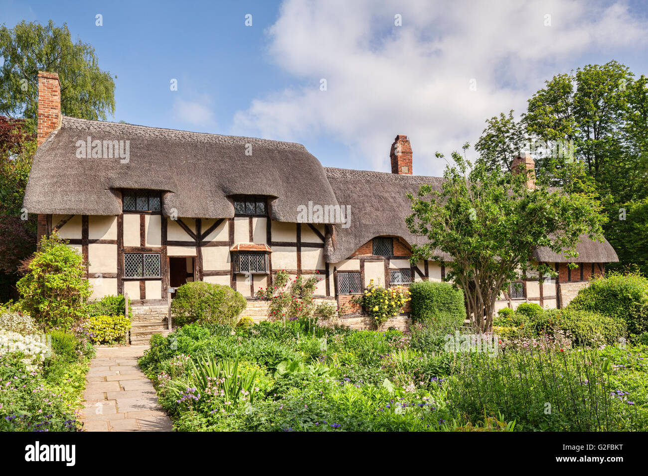 Anne Hathaway's Cottage and its cottage garden, Shottery, Stratford-upon-Avon, Warwickshire, England, UK - Stock Image