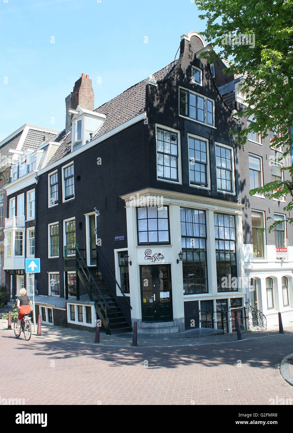 Old  17th century gabled house -  Restaurant Casa Perú  - corner of Prinsengracht & Leidsegracht canal, - Stock Image