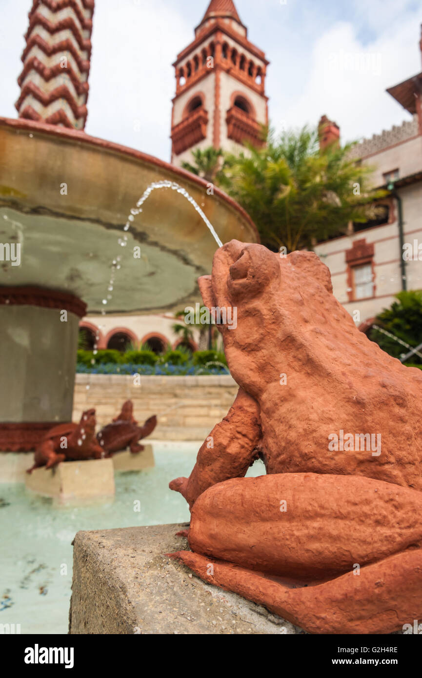 Frog fountain in the courtyard of Flagler College in St. Augustine, Florida, USA. - Stock Image