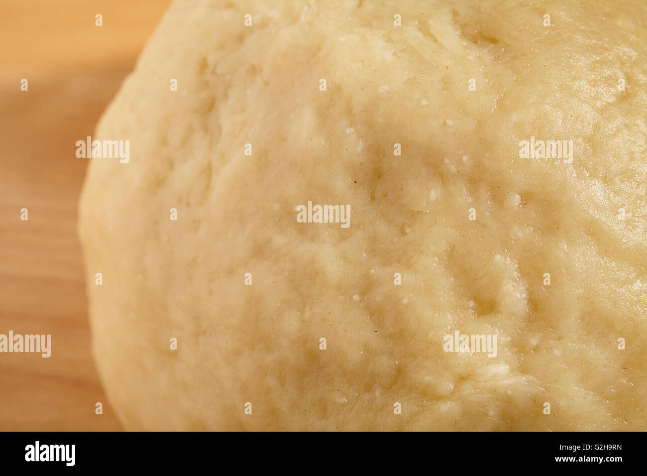 A ball of freshly made shortcrust pastry dough - Stock Image