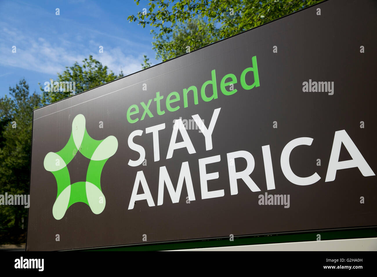 A logo sign outside of an Extended Stay America hotel in Gaithersburg, Maryland on May 29, 2016. - Stock Image