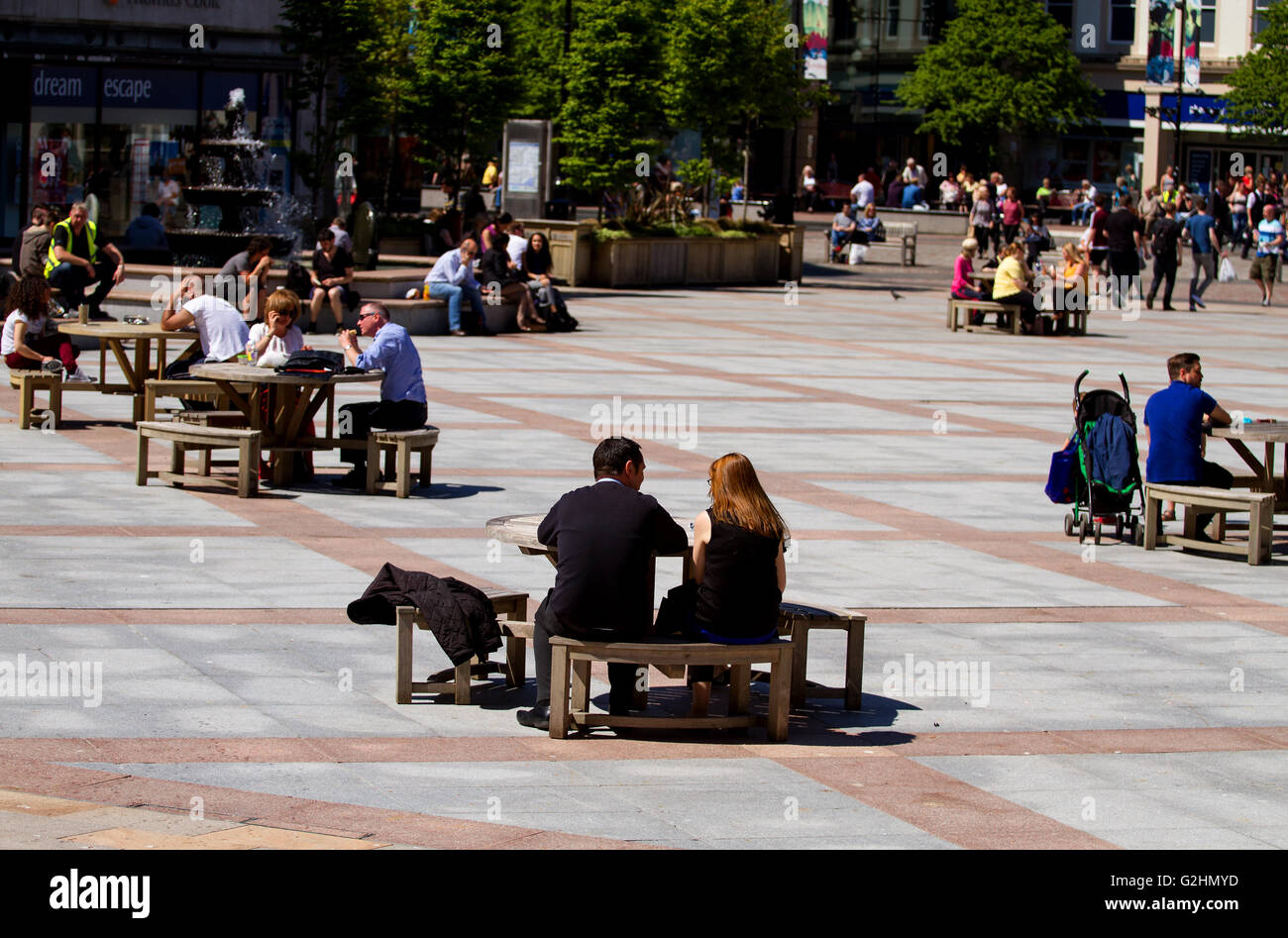 Dundee, Tayside, Scotland, UK. May 31st 2016. UK Weather: A dry and bright day with some fine sunny spells. Warm - Stock Image