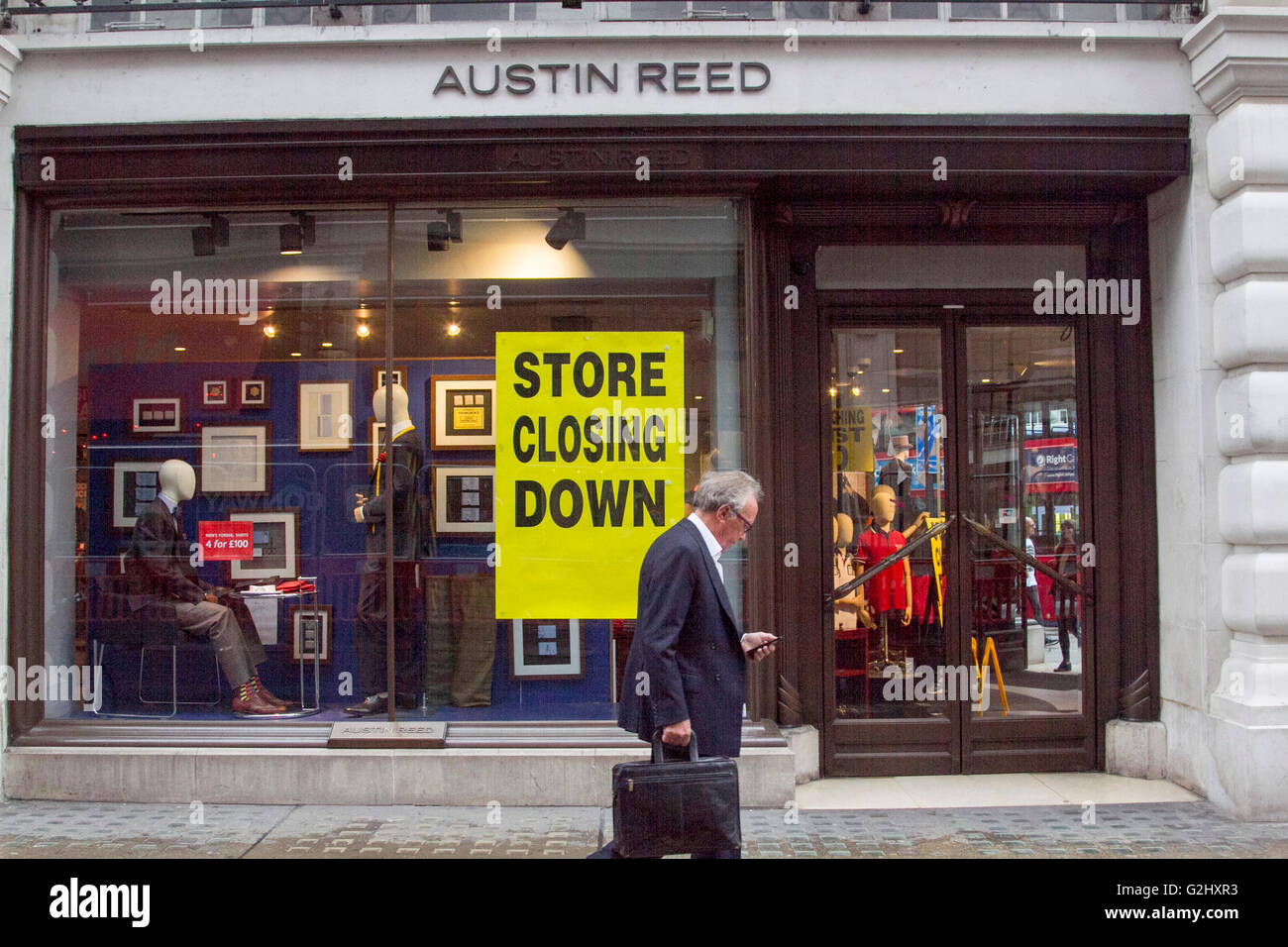 London Uk 1st June 2016 The High Street Stalwart Austin Reed Has Stock Photo Alamy