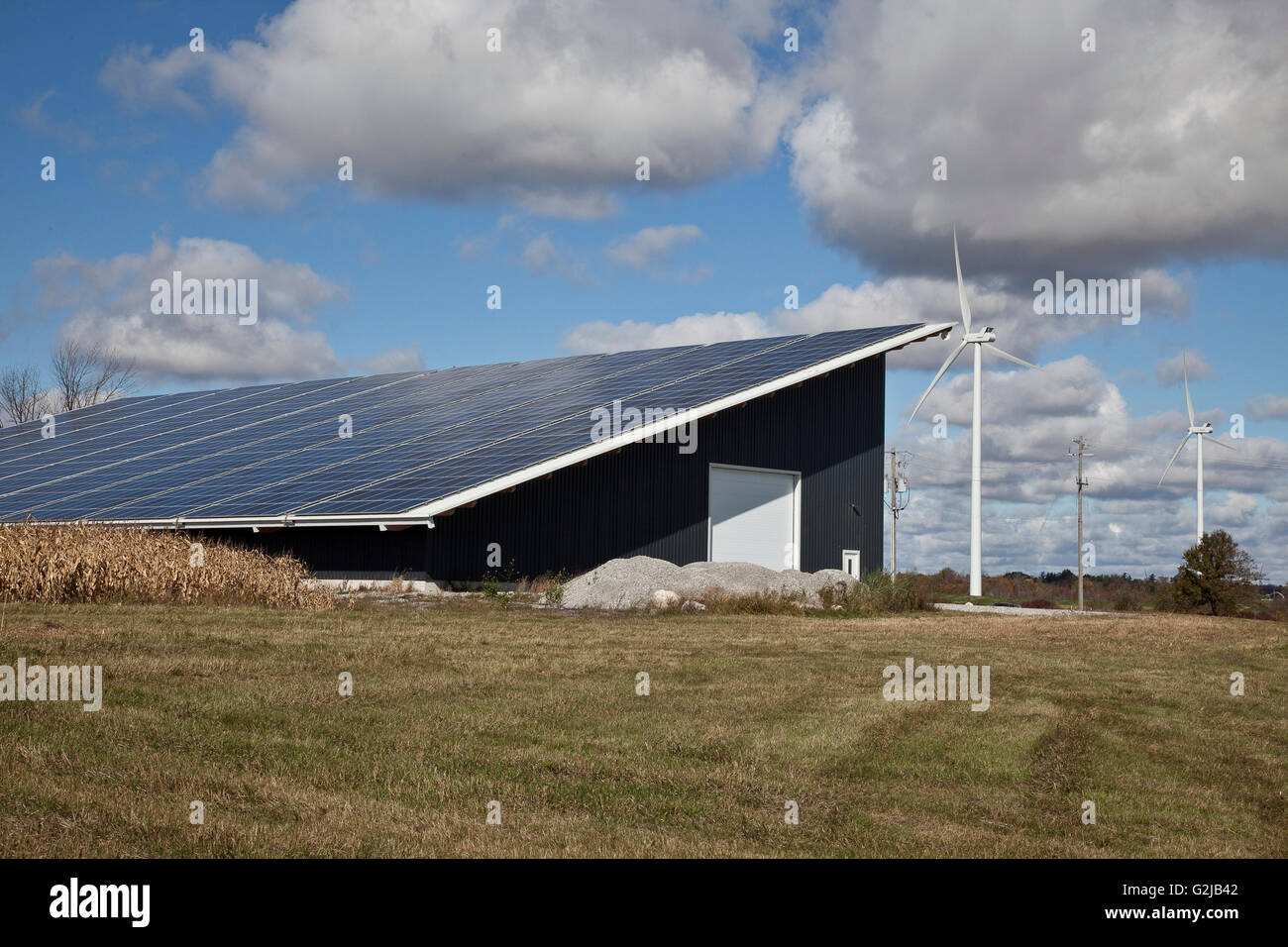 Solar panels on Highways Storage Building in southwestern Ontario (near Lake Erie), Ontario, Canada. - Stock Image