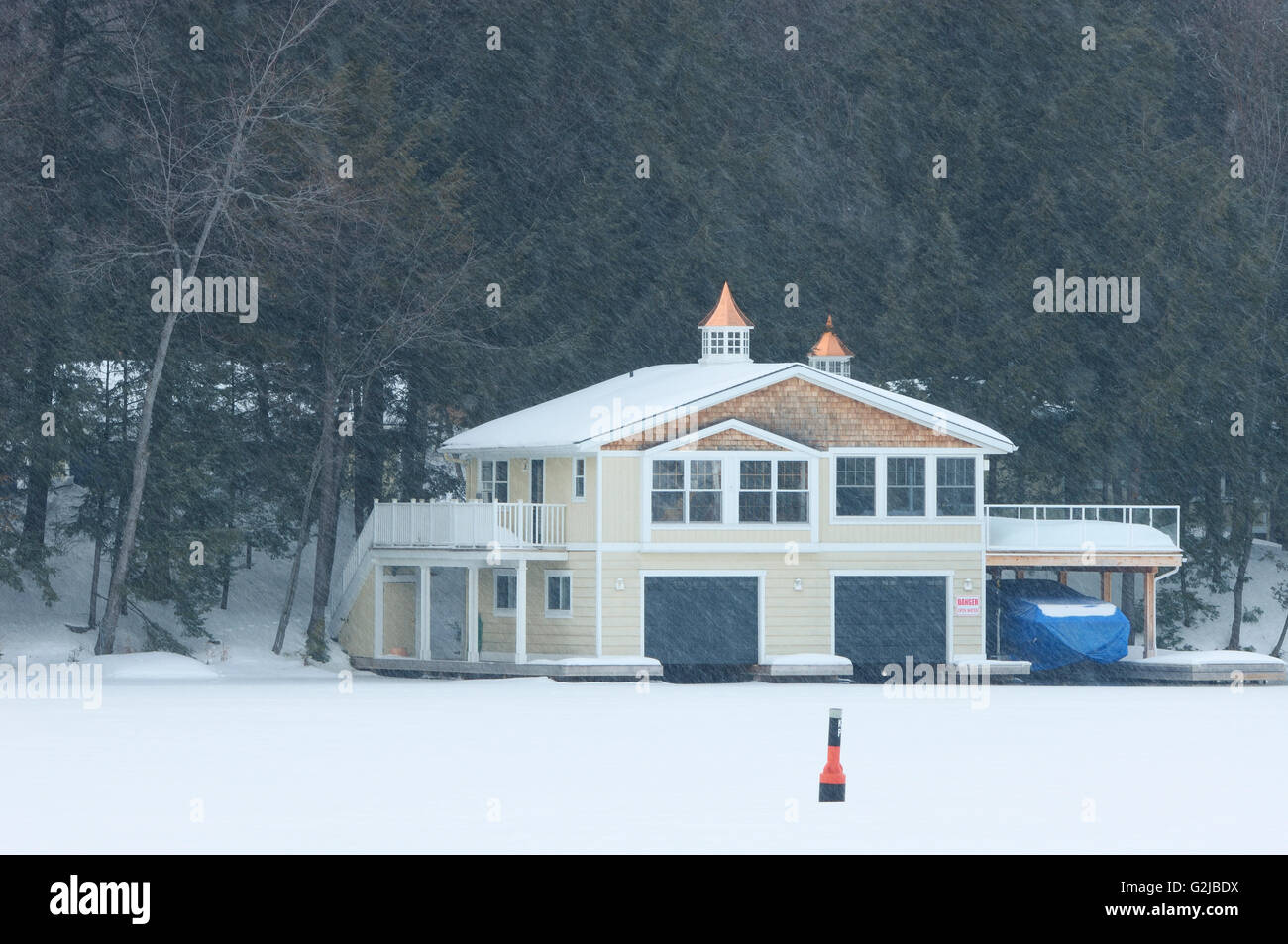 Cottage, Muskoka Country, Ontario, Canada - Stock Image