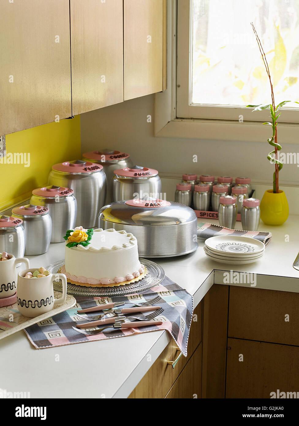 Cake and Retro Bake Set - Stock Image & Kitchen Storage Tins Stock Photos u0026 Kitchen Storage Tins Stock ...
