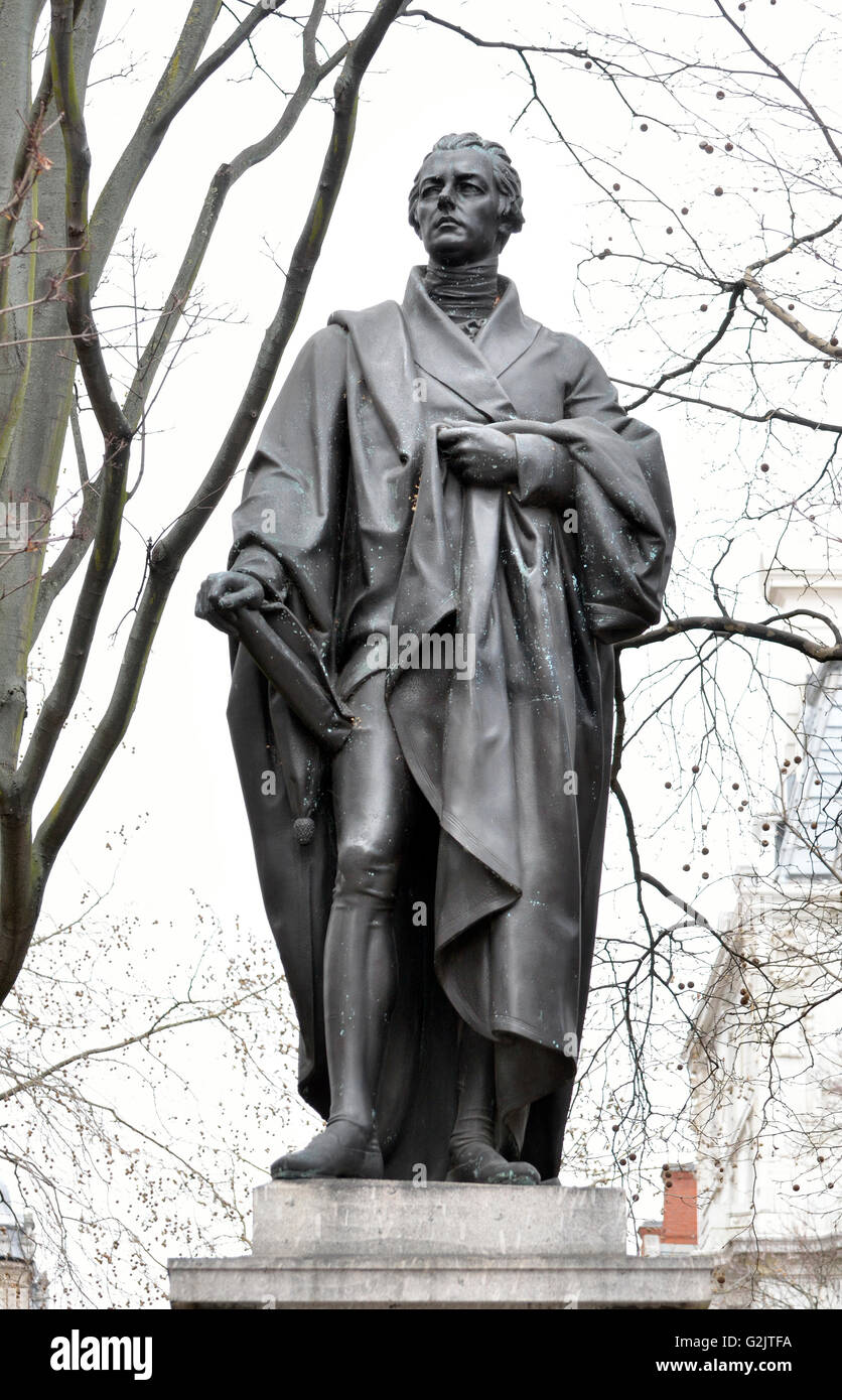 London, England, UK. Statue: William Pitt the Younger (1759-1806) in Hanover Square (1831, by Sir Charles Chantrey) - Stock Image