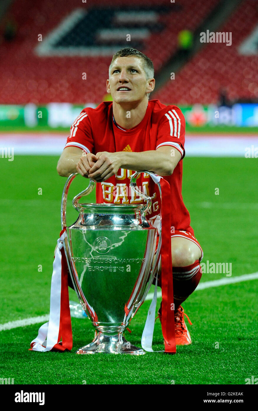 Bastian Schweinsteiger With The Trophy Uefa Champions League Final Stock Photo Alamy