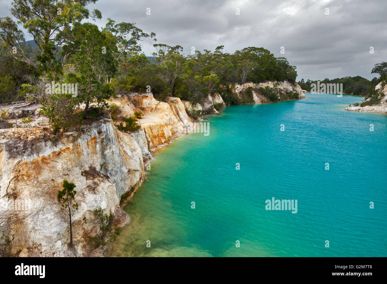 Deep blue colour in Little Blue Lake, caused by minerals of the former mine. - Stock Image