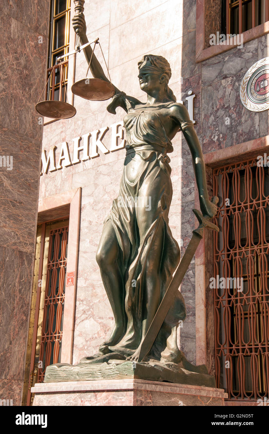 Lady of Justice statue holding the balance & the sword - Stock Image