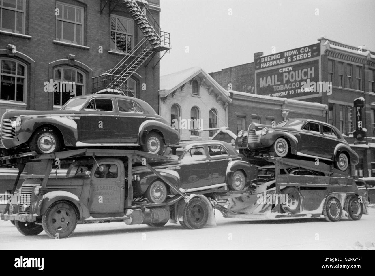 Auto Transport, Chillicothe, Ohio, USA, Arthur Rothstein for Farm Security Administration (FSA), February 1940 - Stock Image