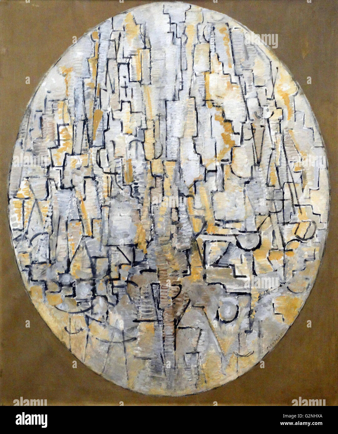 Tableau No 3 : Composition in Oval by Piet Mondrian - Stock Image