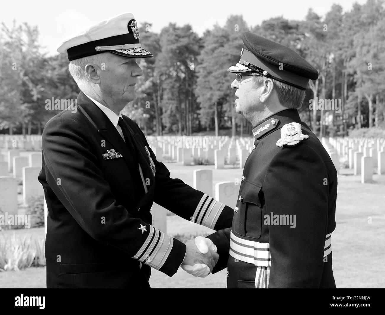 VADM James G. Foggo III Commander US 6th Fleet with HM Lord-Lieutenant of Surrey Michael More-Molyneux - monochrome Stock Photo