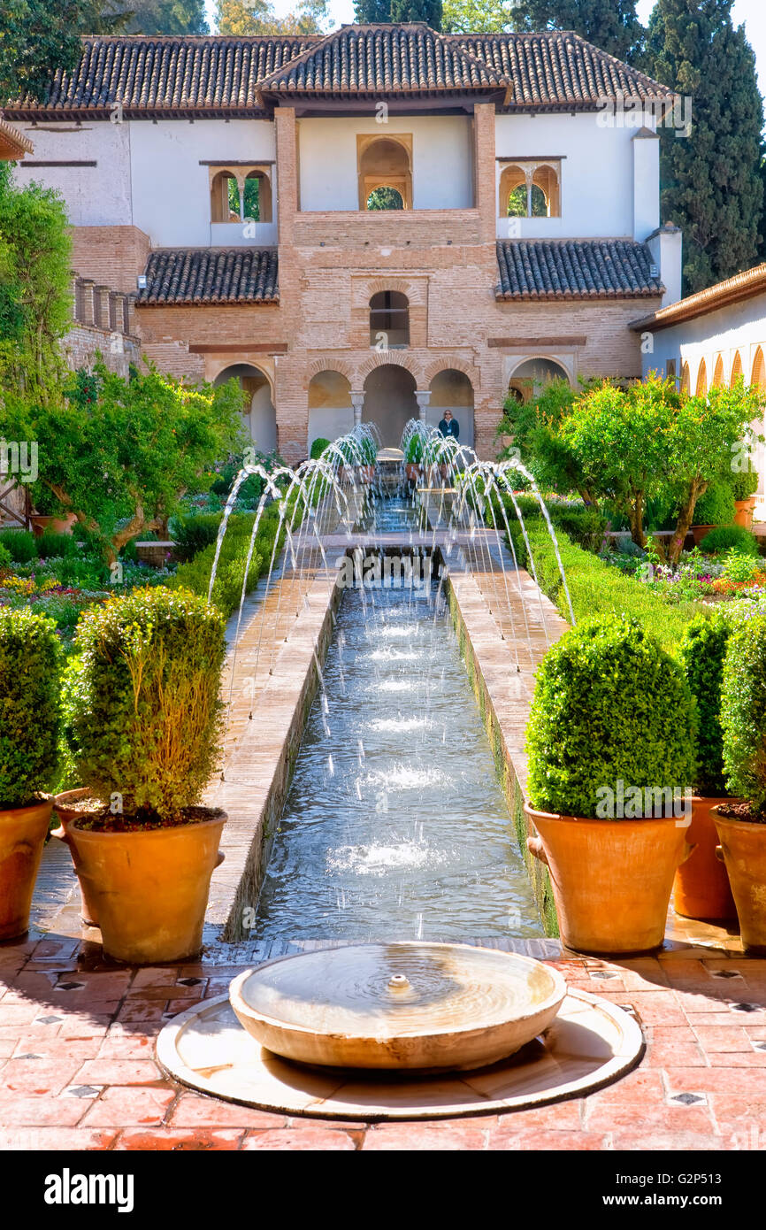 Patio de la Acequia in the gardens of Generalife, Alhambra Palace - Stock Image