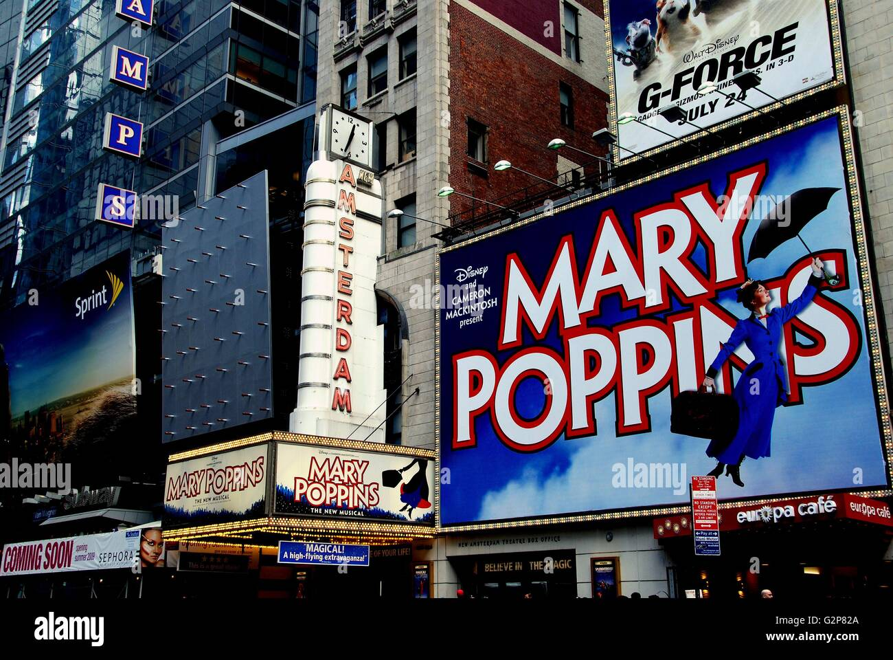 New York City The legendary New Amsterdam Theatre on West 42nd Street, home to the Broadway musical 'Mary Poppins' - Stock Image