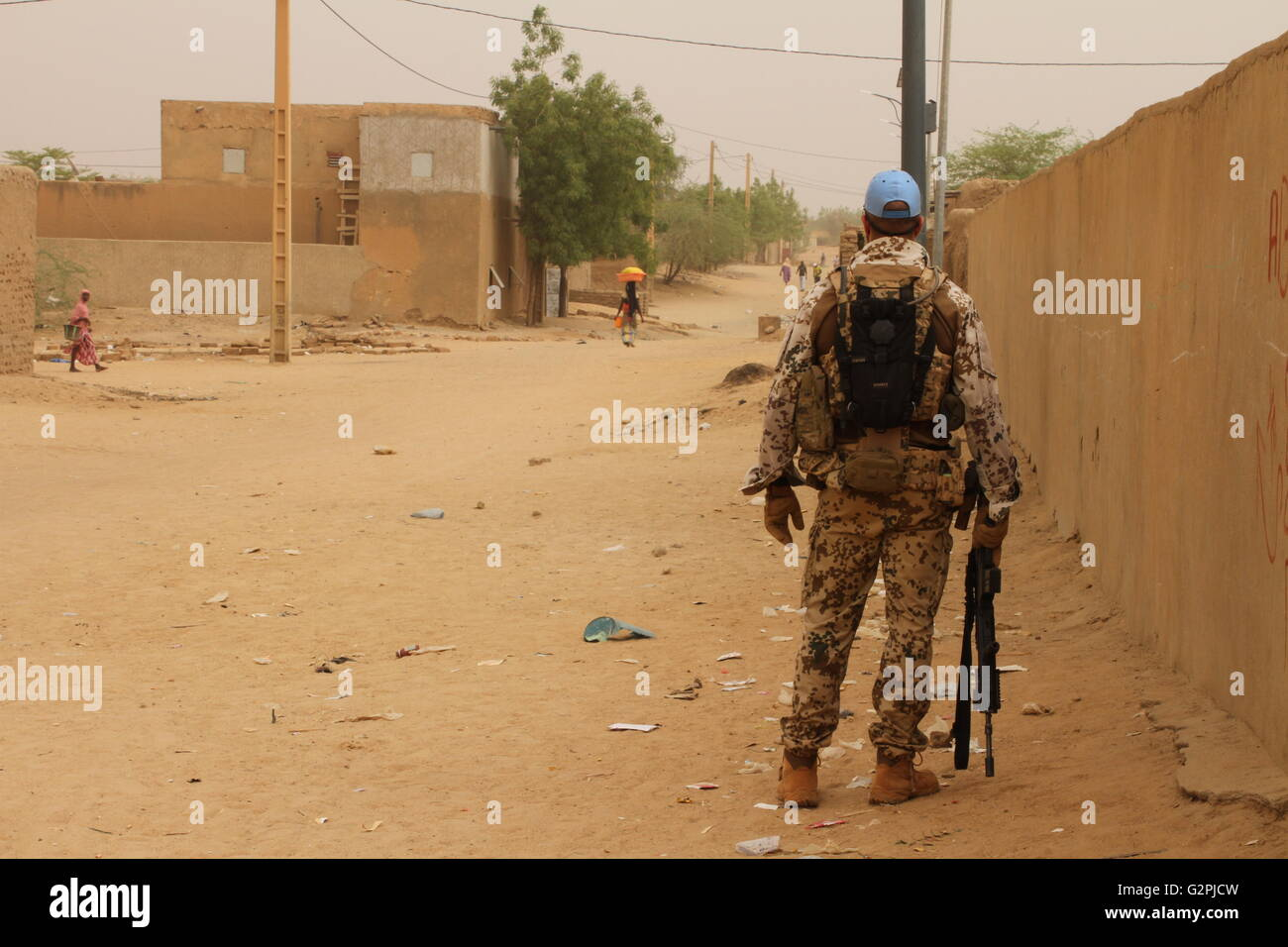 gao mali 7th may 2016 a bundeswehr soldier on patrol in gao