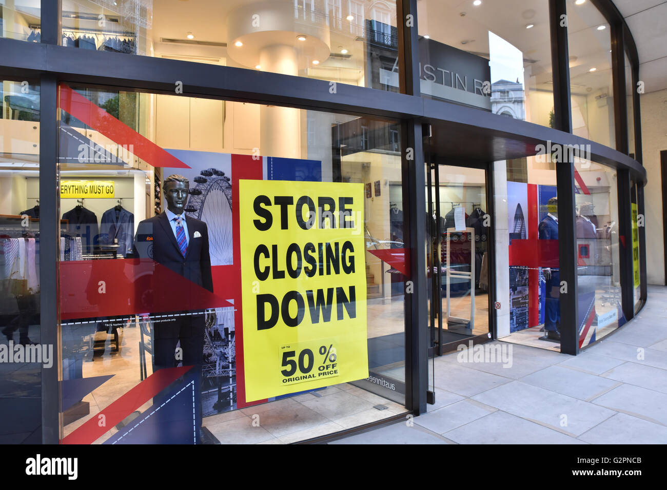 1 2 Poultry London Uk 2nd June 2016 Retailer Austin Reed Is To Stock Photo Alamy