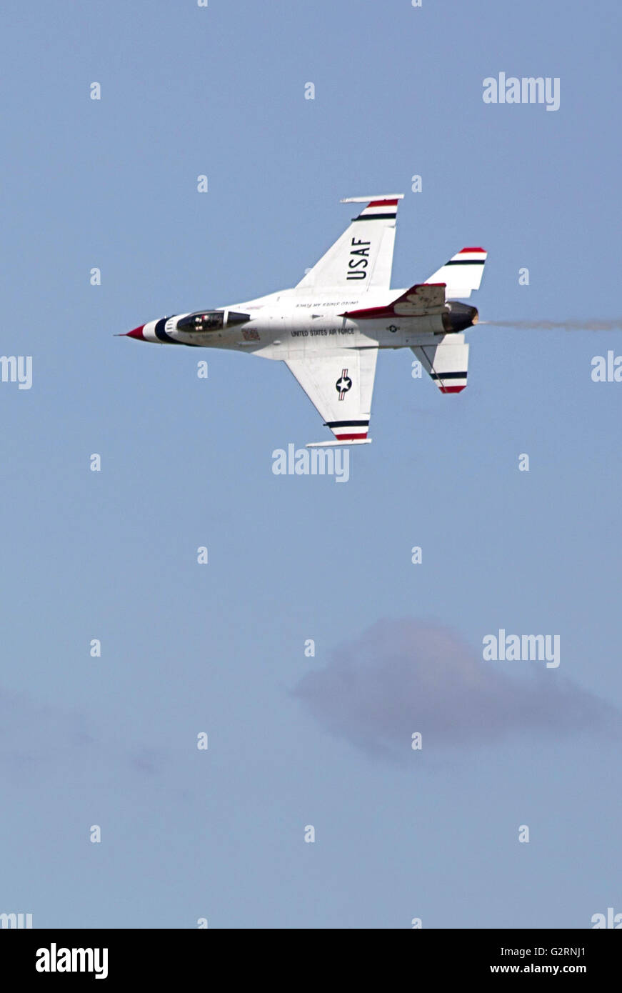 USAF Thunderbirds air demonstration team flying at the  Shaw Air Force Base South Carolina  open house weekend - Stock Image