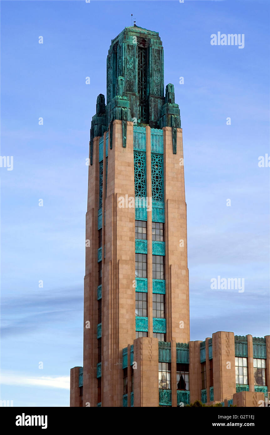 The Art Deco tower of the Bullock's Wilshire building near downtown Los Angeles, California - Stock Image