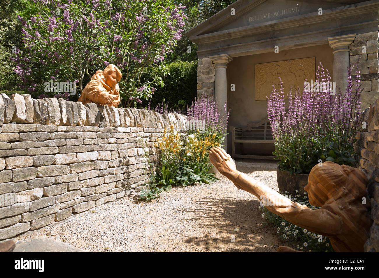 RHS Chelsea Flower Show 2016, Meningitis Now Futures Garden, silver-gilt medal winner, designer John Everiss Design - Stock Image