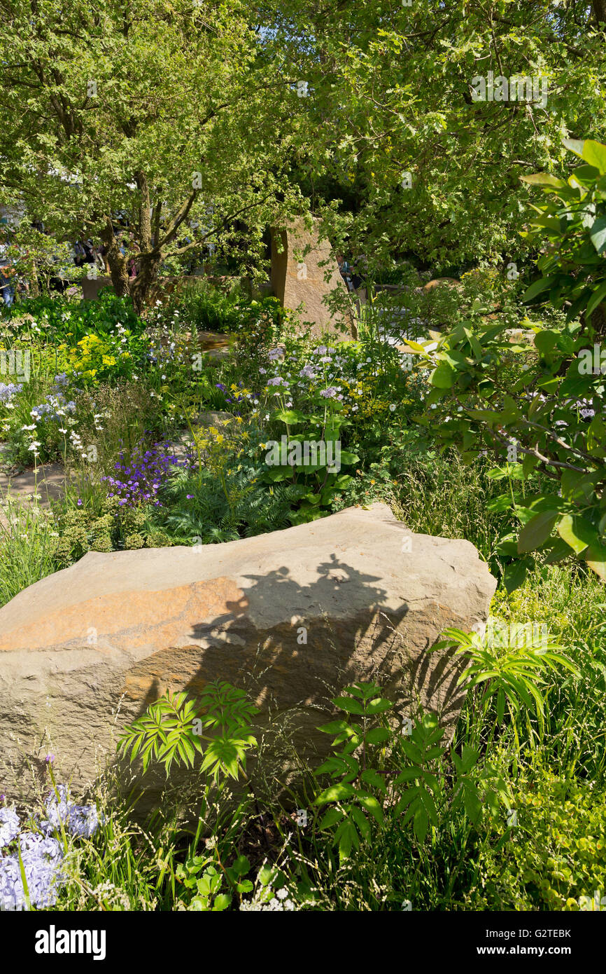 Rhs chelsea 2016 garden cleve stock photos rhs chelsea 2016 garden cleve stock images alamy - Chelsea flower show gold medal winners ...