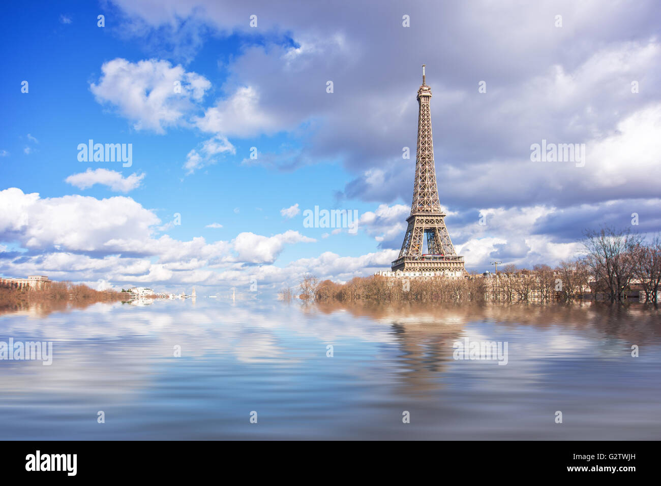 Flood illustration of the river Seine, Eiffel tower, Paris, France - Stock Image