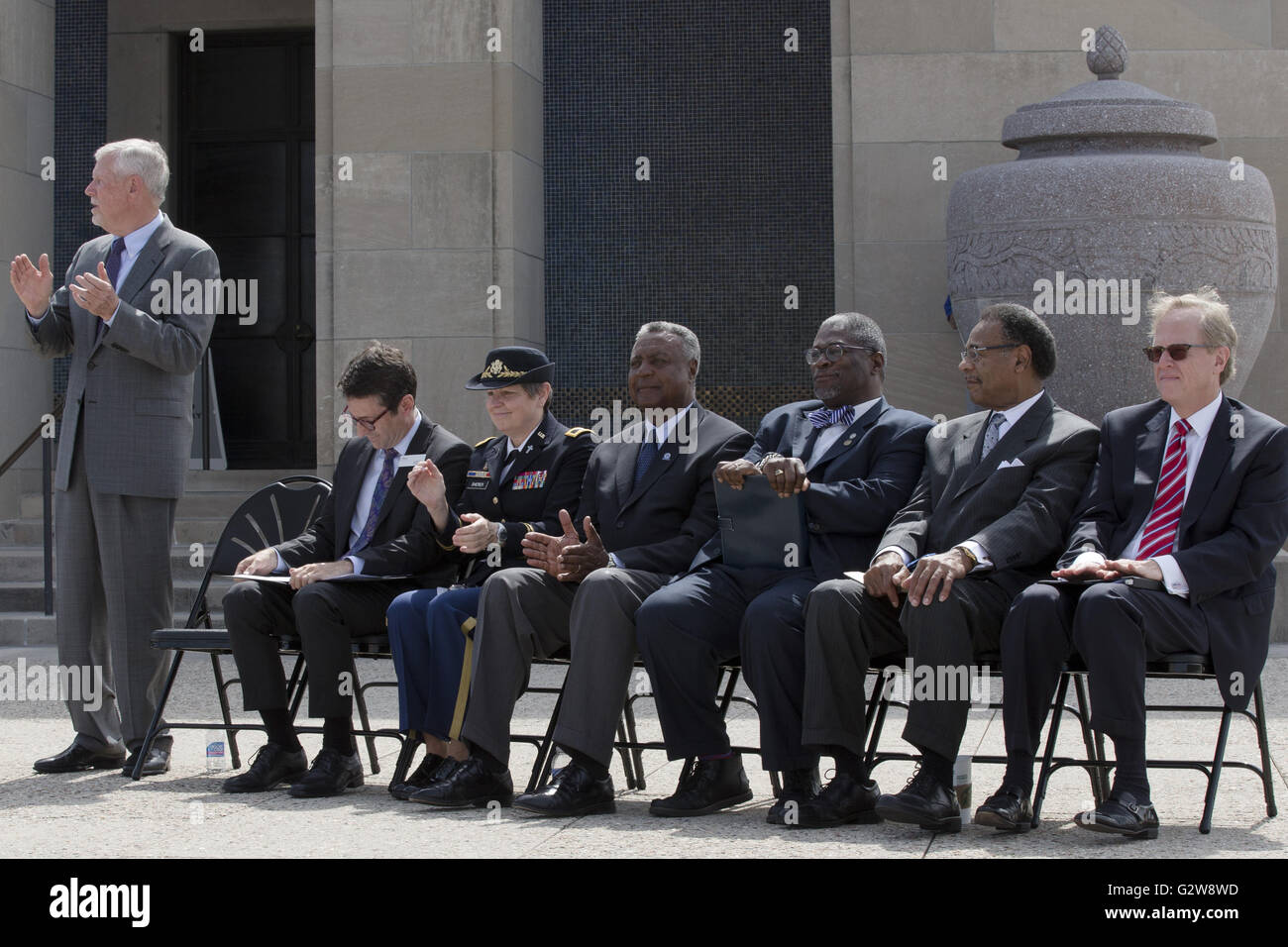 June 1, 2016 - Kansas City, Missouri, U.S - Pledges-of-honor and a salute during the Echo Taps played by Tom Mullinax - Stock Image